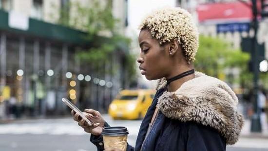 Haine sur Twitter : les femmes noires particulièrement touchées, selon Amnesty International