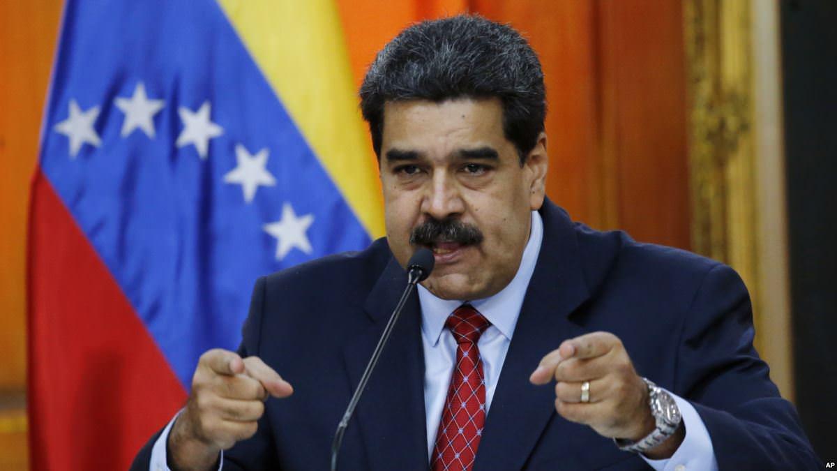 Maduro accuse des militaires déserteurs de conspirer depuis la Colombie