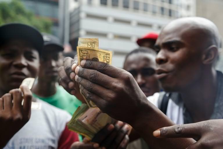 Zimbabwe: premiers échanges de la nouvelle quasi-monnaie