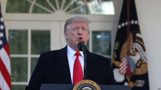 """USA : Trump accuse les réseaux sociaux, dont Twitter, de """"discrimination"""" politique"""