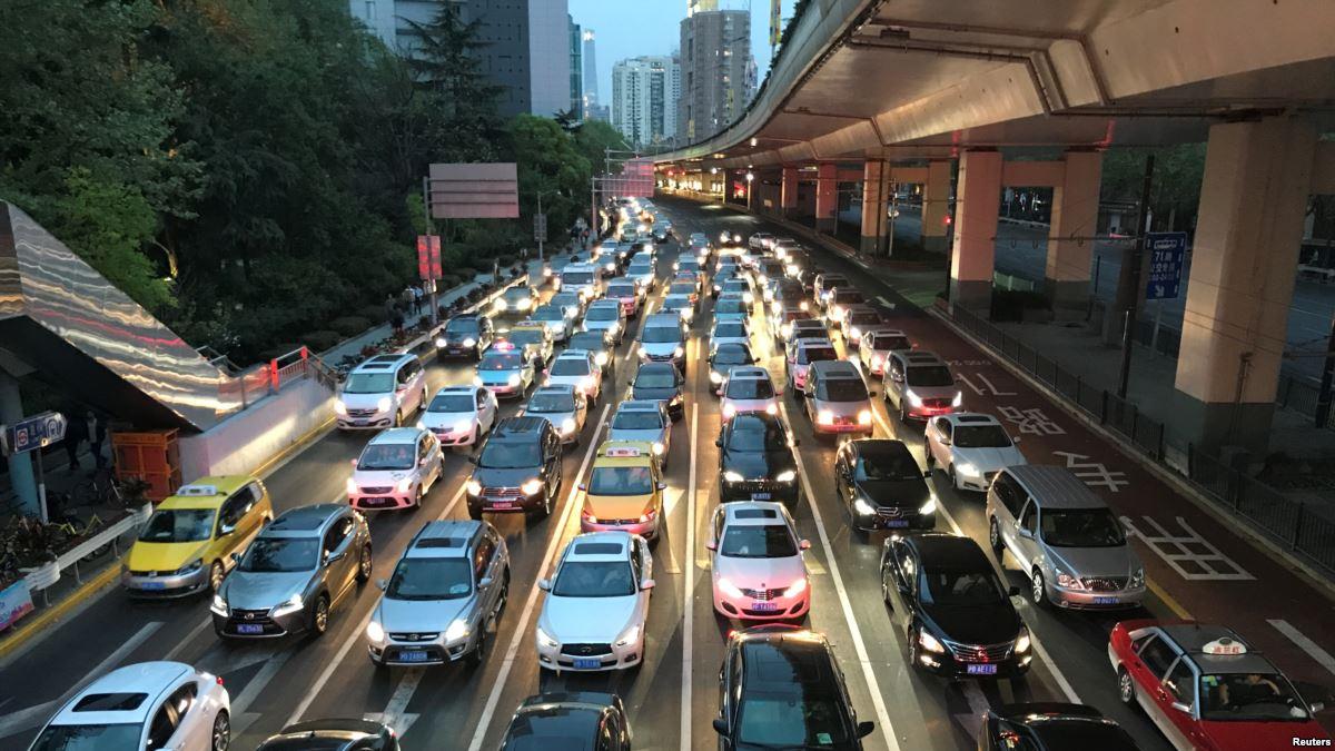 Chine: une voiture fonce dans la foule, 6 morts, le chauffeur abattu