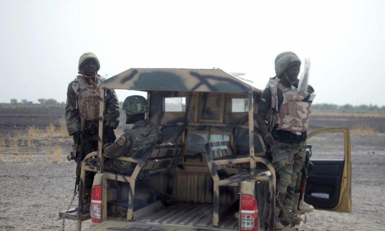 Le président Buhari convoque les chefs des armées après les récentes tueries