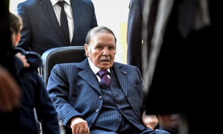 Algérie : le président Abdelaziz Bouteflika met fin à son mandat en annonçant sa démission