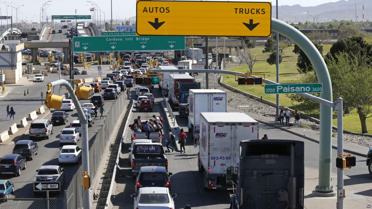 """USA : Trump se dit prêt """"à 100%"""" à fermer la frontière avec le Mexique"""