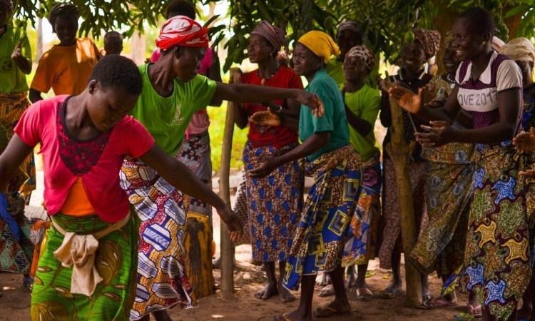 Move With Africa: Bénin polychrome…