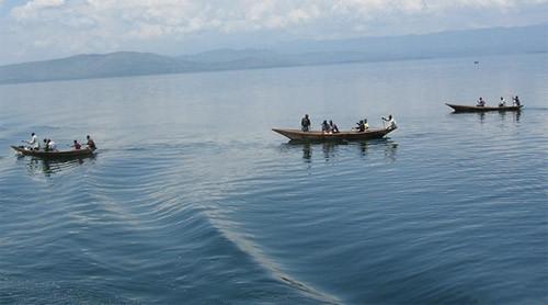 Equateur : un convoi de pirogues motorisées chavire, un mort et trois disparus
