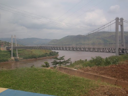 Kongo Central marche pacifique à Muanda pour s'opposer à la construction du pont reliant Kinshasa et Brazzaville - Kongo-Central : marche pacifique à Muanda pour s'opposer à la construction du pont reliant Kinshasa et Brazzaville