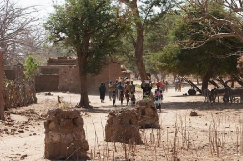Mali : 95 morts dans une attaque au centre du pays