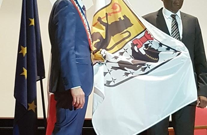 """France-Cameroun : Michel Thierry ATANGANA, """"citoyen d'honneur"""" de Saint-Pol-de-Leon"""