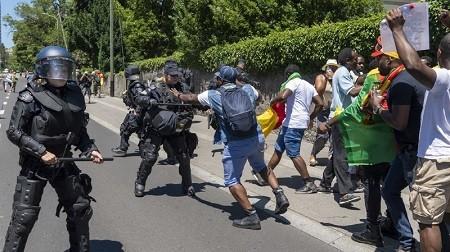 Cameroun – Suisse: La police genevoise arrête six gardes du président Paul Biya