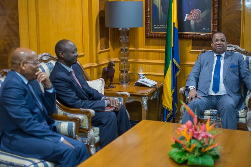 Julien Nkoghe Bekale reçoit Abbas Mahamat Tolli