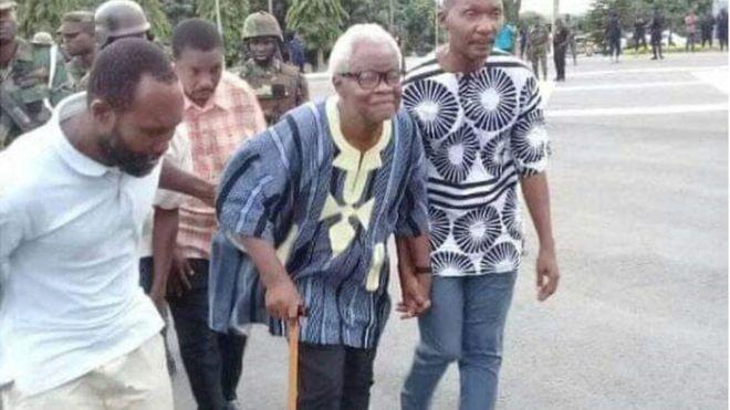 Le Ghana abandonne ses accusations de trahison contre neuf dirigeants séparatistes - Le Ghana abandonne ses accusations de trahison contre neuf dirigeants séparatistes