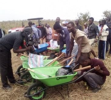 Pool/Agriculture : Le Parpa offre 10 hectares de terres labourées  aux personnes démunies de Louingui pour le haricot