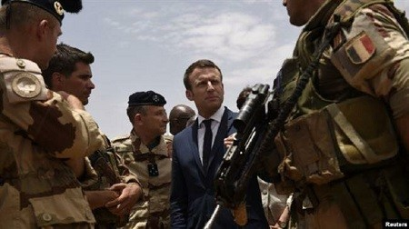 France: l'armée burkinabée s'insurge