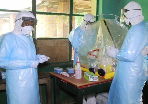 Ebola : le seuil de 2000 décès franchi