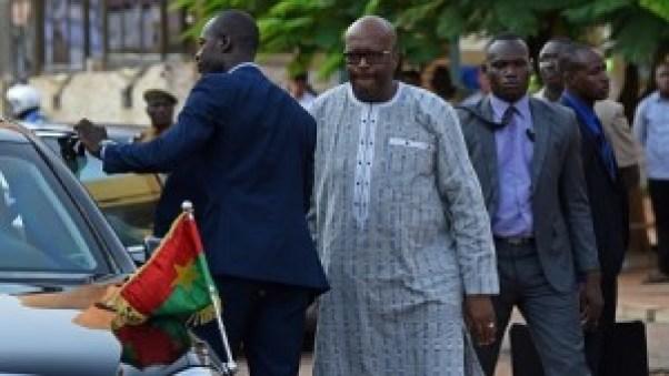 Le Burkina Faso de Roch Marc Christian Kaboré ( 2e au centre), sera présent au G7 comme président du G5 Sahel (photo d'illustration). © SIA KAMBOU/AFP