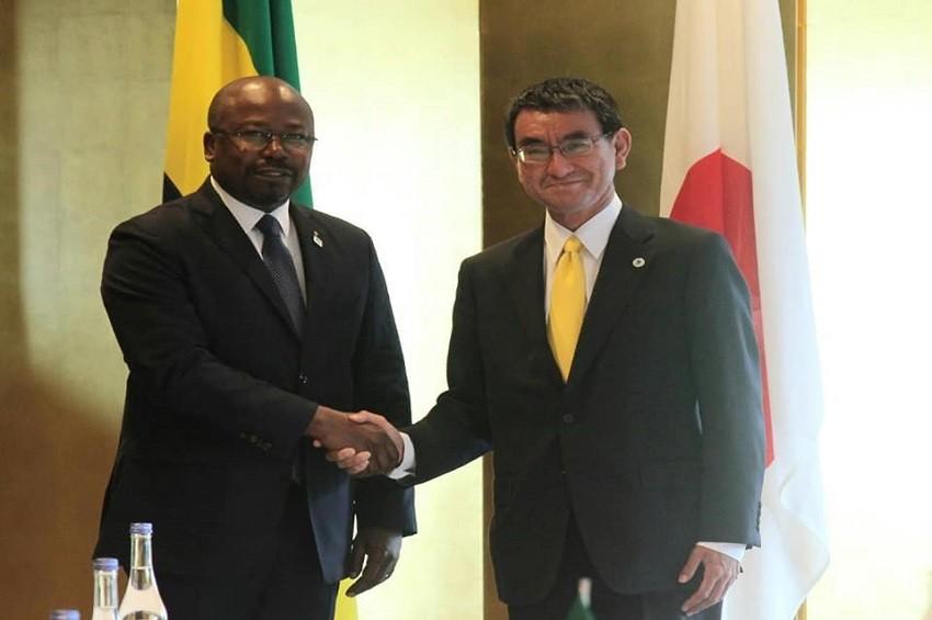 Alain Claude Bilie By Nze et son homologue japonais à Tokyo - Gabon-Japon : On réchauffe la coopération
