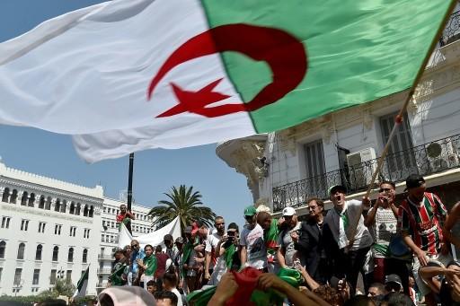 Algérie: nouvelle incarcération d'une figure de la contestation