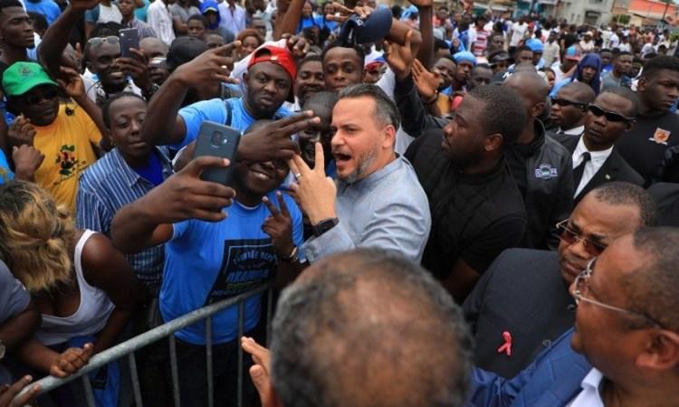 Ali Bongo sera candidat a sa reelection » Brice - « Ali Bongo sera candidat à sa réélection », Brice Laccruche Alihanga