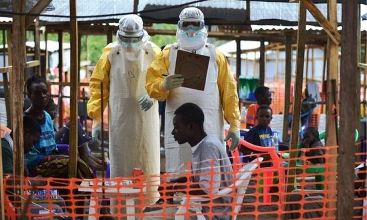 Vaccin contre Ebola: premier pas vers une mise sur le marché