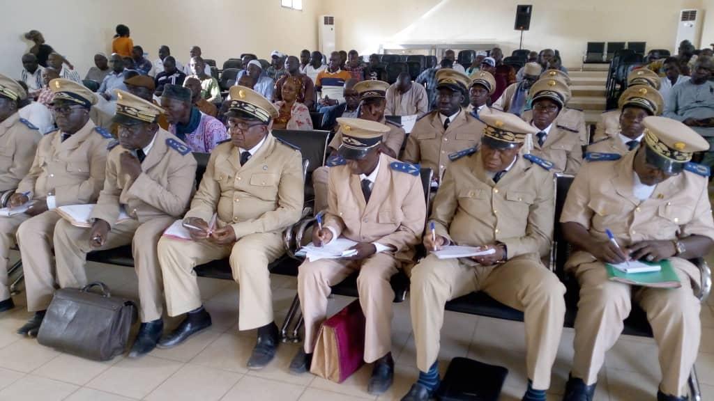 Le ministre de l'Administration territoriale prend contact avec les cadres de la 2è Région