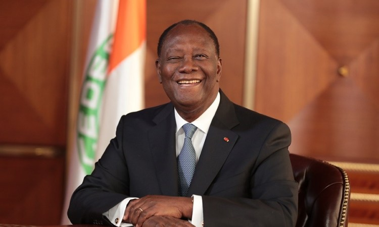 Ouattara réitère la volonté d'aller à la monnaie Eco et égratigne les pays anglophones d'Afrique de l'Ouest