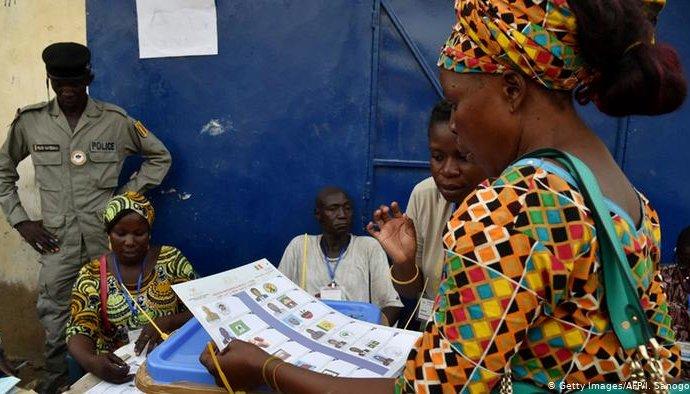 Tchad: les législatives repoussées depuis 2015 fixées au 13 décembre