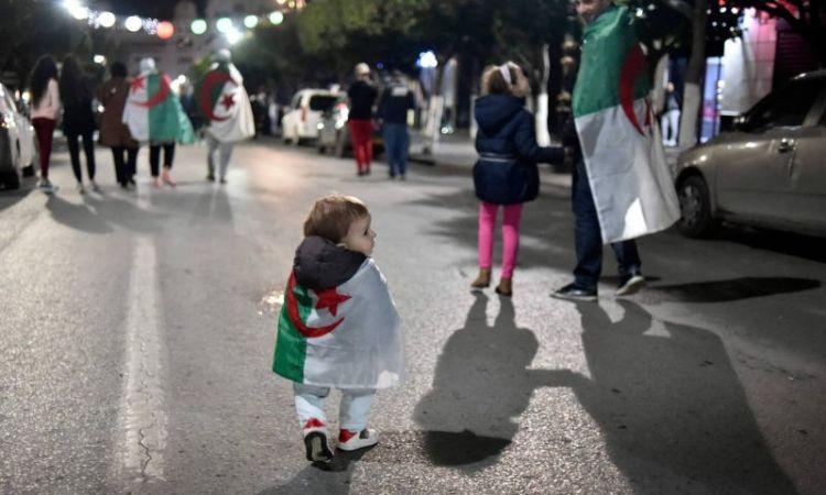 Algérie: grâce présdentielle pour 5.000 condamnés, pas pour ceux du «Hirak»