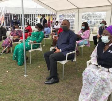 Kinshasa : des denrées alimentaires remises à 800 dames démunies, don de l'ONU Femmes