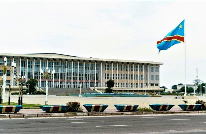 RDC: deuxième jour de tensions autour du Parlement et dans la coalition au pouvoir
