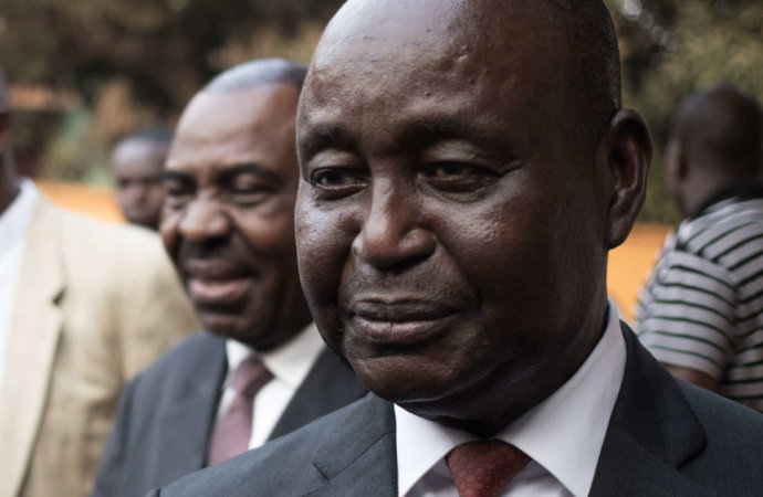 Centrafrique: écarté de la présidentielle, Bozizé relance les combats