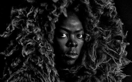 Zanela Muholi 524x327 - «Oh ! AfricArt»: L'art contemporain africain envahit le petit écran