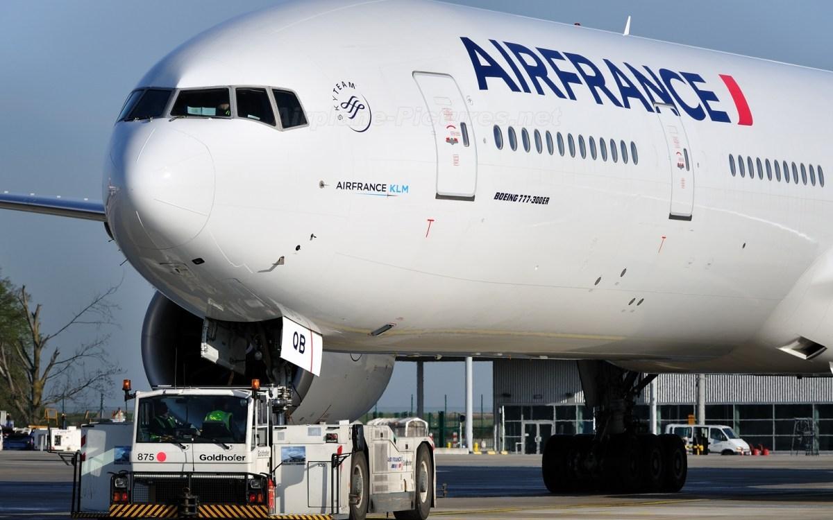 Transport aérien : L'activité en baisse de 50%