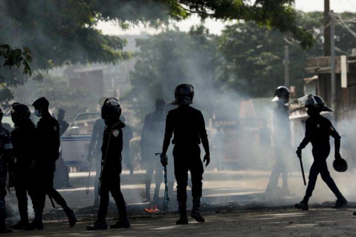 Mouvement des casseroles au Gabon 34 pilleurs - « Mouvement des casseroles » au Gabon : 34 pilleurs aux arrêts à Moanda