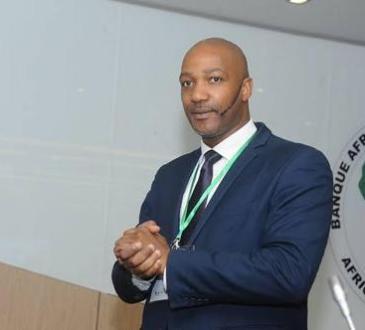 RDC : Félix Tshisekedi nomme Erik Nyindu  directeur de la cellule de communication de la Présidence de la République