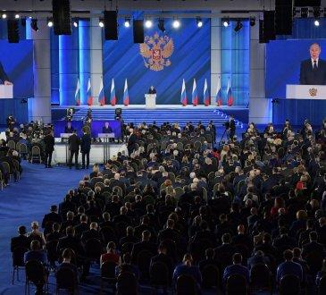 21 avril Kremlin EzfcNE8XMAAAxZV - Russie, Kremlin : discours annuel de Vladimir Poutine à l'Assemblée fédérale