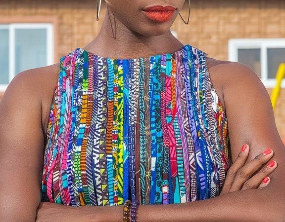 Angela Aquereburu: «Dans mes séries, je veux montrer une Afrique qui fait rêver»
