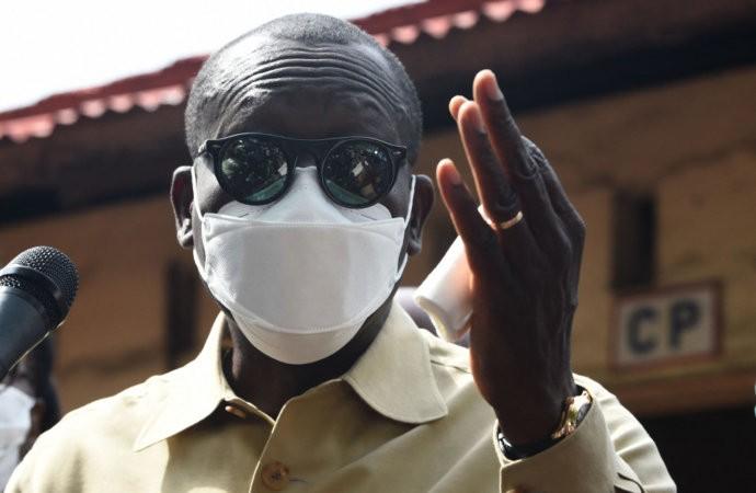 Bénin: le président Talon durcit le ton au lendemain de sa réélection