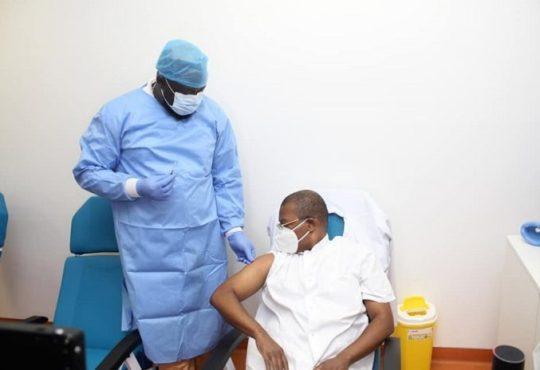 Covid 19 au Gabon Deja 5115 personnes vaccinees et aucun - Covid-19 au Gabon : Déjà 5115 personnes vaccinées et aucun effet secondaire majeur constaté