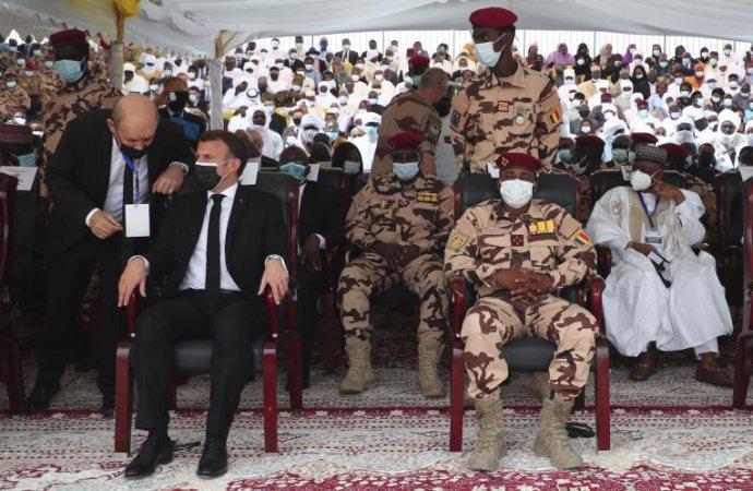 Tchad : Comment interpréter la prise inconstitutionnelle du pouvoir par Mahamat Idriss Déby ?