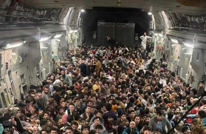 Conflit en Afghanistan: l'Ouganda prêt à accueillir des réfugiés afghans