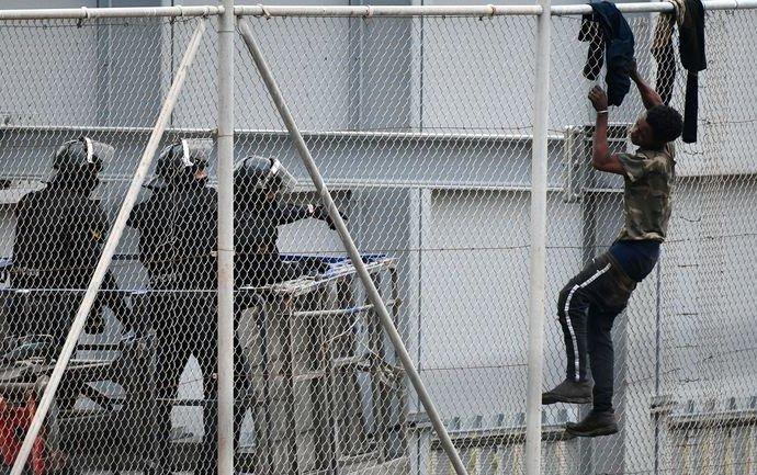 Environ 350 migrants tentent en vain de passer duMarocvers une enclave espagnole