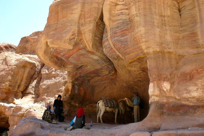 Les couleurs fabuleuses de la roche à Pétra