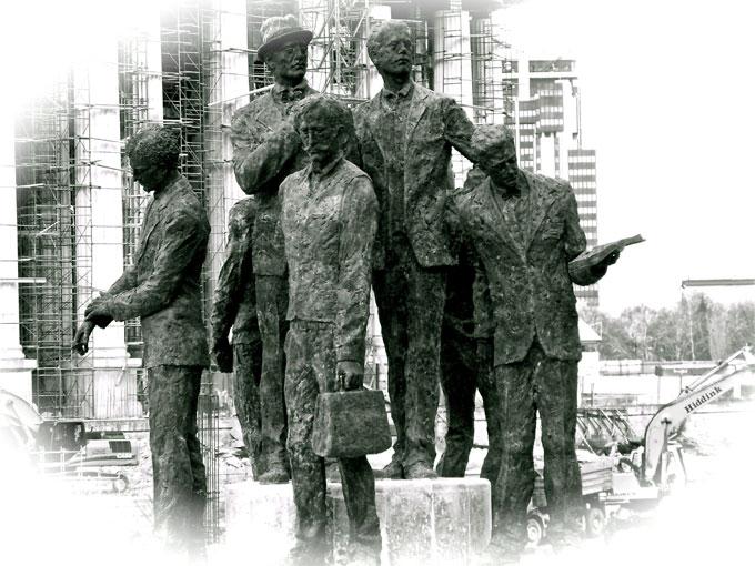 mac_statues
