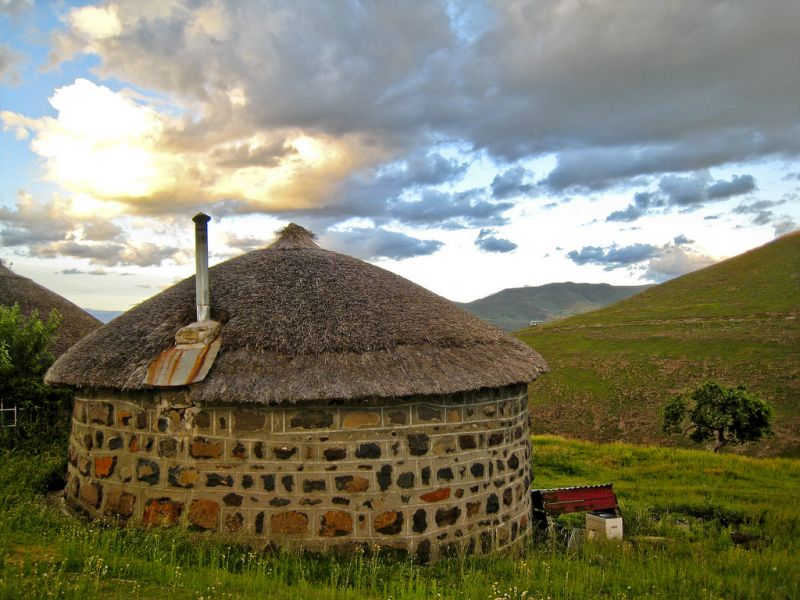 Lesotho 7P8C Tourist attractions spot Traditional house.
