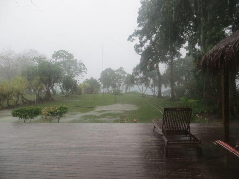 YJ0X Vanuatu Rain