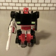 "Sideswipe Autobot G2 1993 Transformers Generation 2. Known in other coutries as Japan- Lambor (ランボル Ranboru), Cantonese- Swipe (斯韋伯 Si Wai Baak), France- Frérot (Canada, ""Bro""), Italy- Freccia (""Arrow""), Mandarin- Tsè Sǎu (Taiwan, 側掃, ""Side Swipe""), Heng Pao (China, 横炮), Portugal- Esgalhador or Surrupio"