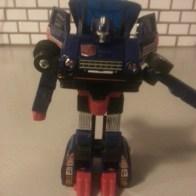 "Skids Reissue - Transformers G1 Commemorative Series VIII 2004 Toys R Us exclusive Foreign names Japanese: Skids (スキッズ Sukizzu), Mandarin: Shā chē (China, 刹车, ""Brake""), French: Platon (""Plato""), Italian: Furetto (""Ferret""), Portuguese: Patins, Pe-de-cabra"