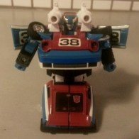 Smokescreen Transformers G1 Commemorative Series VI 2003 loose Japanese ID number: 45 Foreign names French- Écran de Fumée (Canada), Italian- Leo, Portuguese: Cortina de Fumo (Portugal comic), Cortina (Brazil comic)