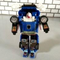 Tracks G1- Transformers Generation 1 Commemorative Series V 2003 Autobot Foreign names Japanese- Tracks (トラックス Torakkusu), Mandarin- Lún tāi (轮胎, Tires), French- Le Sillage (The Trail), Italian- Puma, Portuguese- Rasto (Track), Trilho